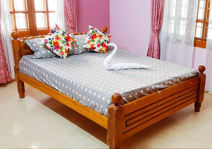 Courteous & decorative Rooms Stay in Madurai