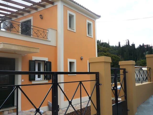 Villa Ariana - Μύρτος - วิลล่า