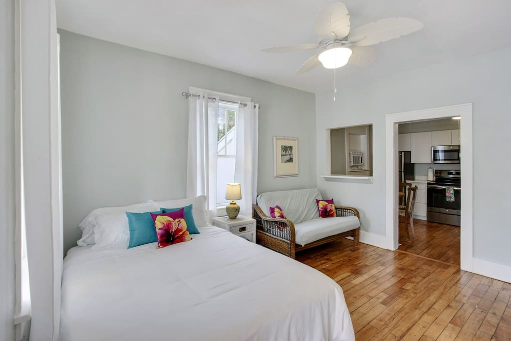 1BR/1BA First Floor Condo just steps away from the beach