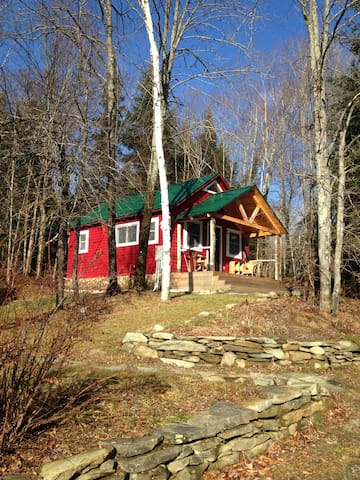 Camp Wapanacki - Merle Cabin - Hardwick