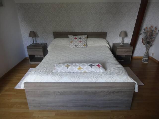 Chambre lit de 140