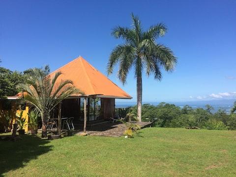 Zen Cottage with amazing Ocean view