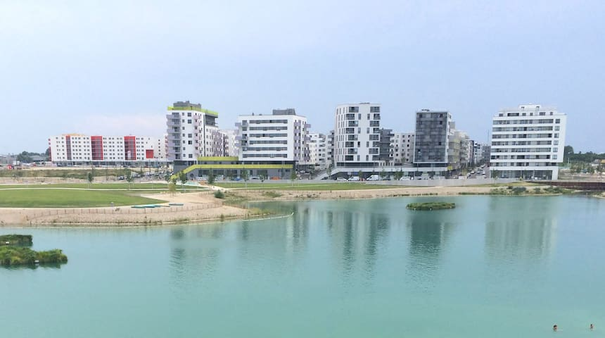 Modern apartment with lake view close to the metro - Wien - Apartment
