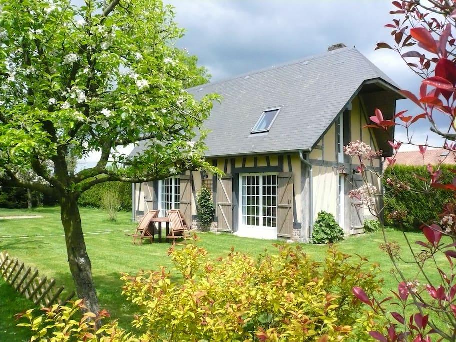 La petite maison des forgettes maisons louer bosc - La petite maison normandie ...