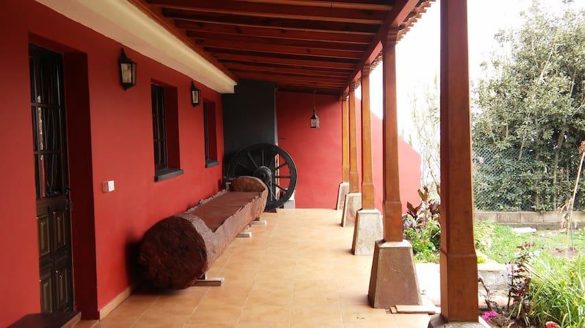 CASA TERRERA CON JARDIN Y HUERTO - La Esperanza - Villa