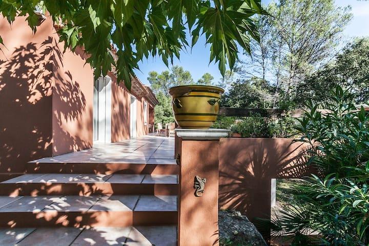 Kamer voor 2 met terras in de natuur, totale rust - Pignans