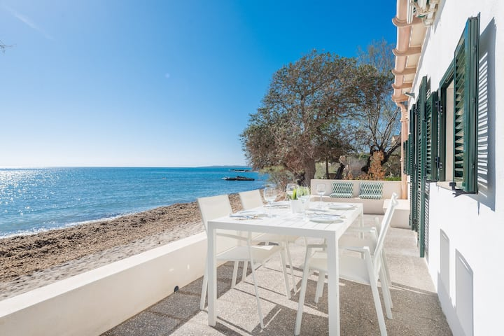 PORT NOU (TORRENT) - Beautiful and modern house on the beach of ses Barreres, between Cala Bona and Costa dels Pins. Free WiFi