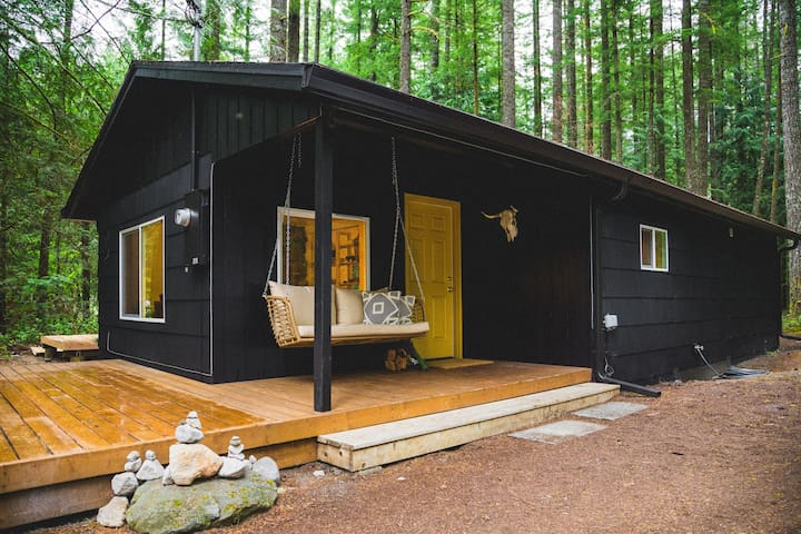 Camino Chueco - Stylish cabin at Mount Hood