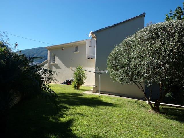 Maison charmante entre mer et montagne - Cervione - Talo