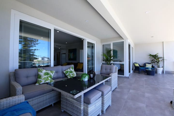 Marina Views Luxury Apartment @ Boardwalk Apts - Mindarie - Wohnung