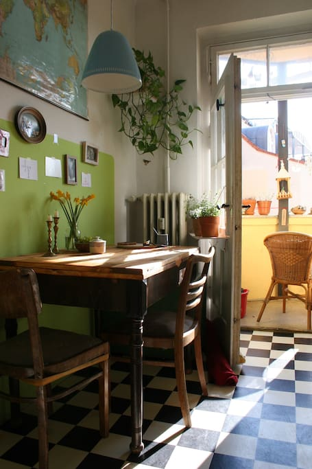 Küche mit Südbalkon