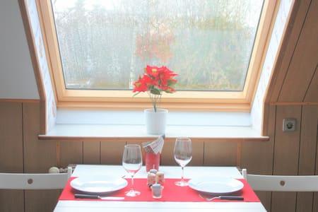 Gut angebundene Wohnung in Bremen - Grohn
