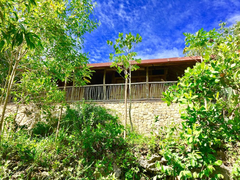 the front balcony of the twin jungle lodge