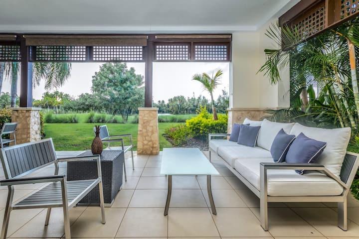 Villa Flora | 2 bedroom luxurious resort villa with beach club access