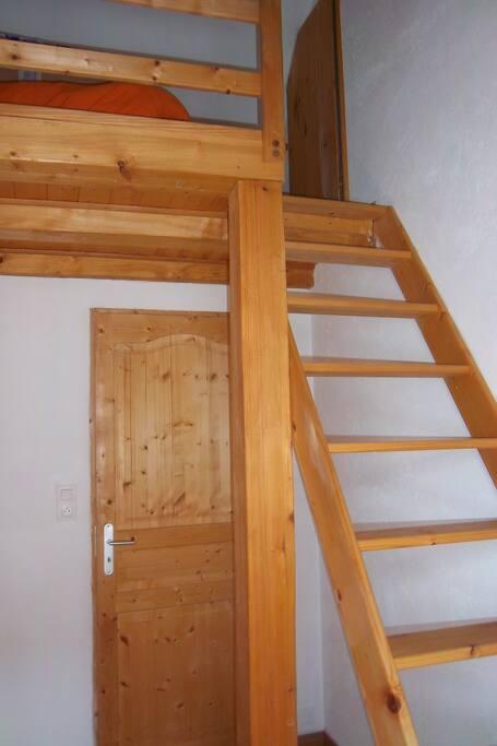 accès au matelas placé en mezzanine,