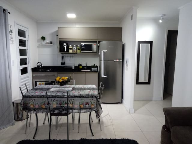 Linda casa em condomínio, com Wifi e Ar