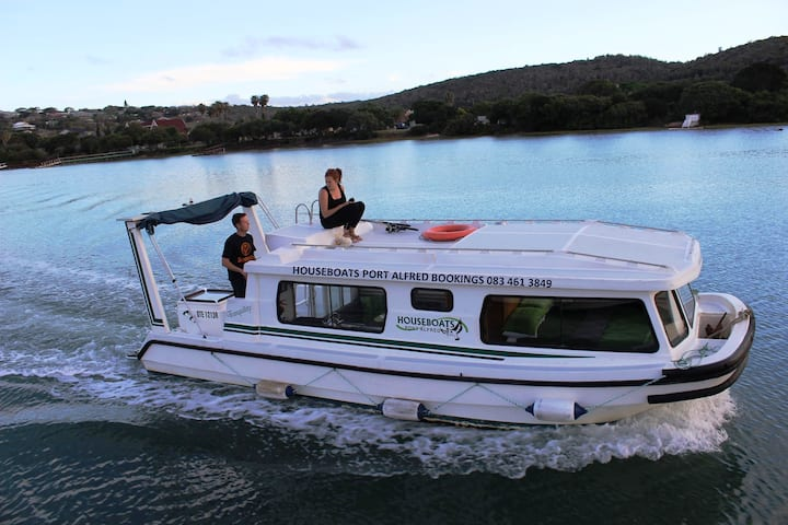 Port Alfred Houseboats - Self drive boats 1
