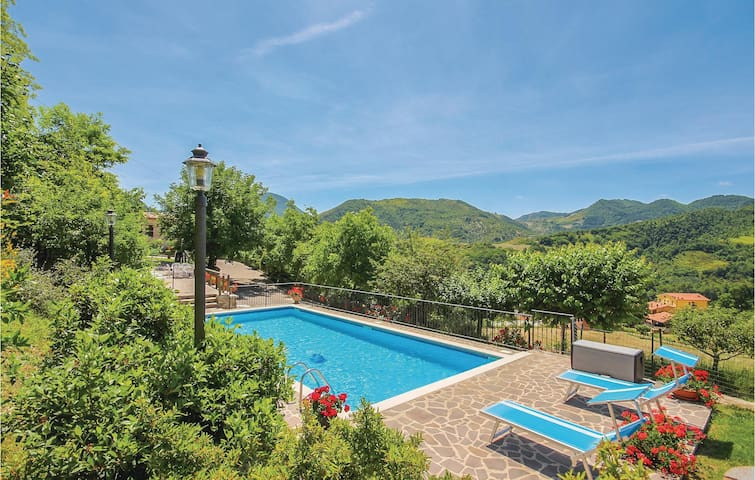 Holiday cottage with 4 bedrooms on 170m² in Piobbico (PU)