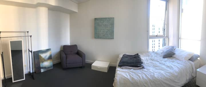 Cheap Private Ensuite Bedroom in Brisbane City