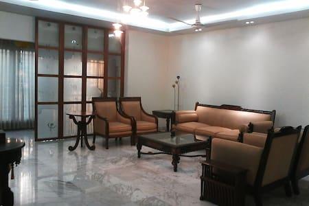 Luxury Apartment in Banani DOHS - Дакка - Квартира