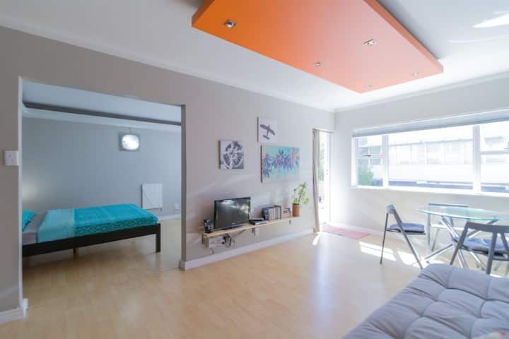Kloof Street Value Apartment. Heart of the city!