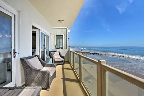 Beachfront Malibu House w/ 3 Decks & Patio!