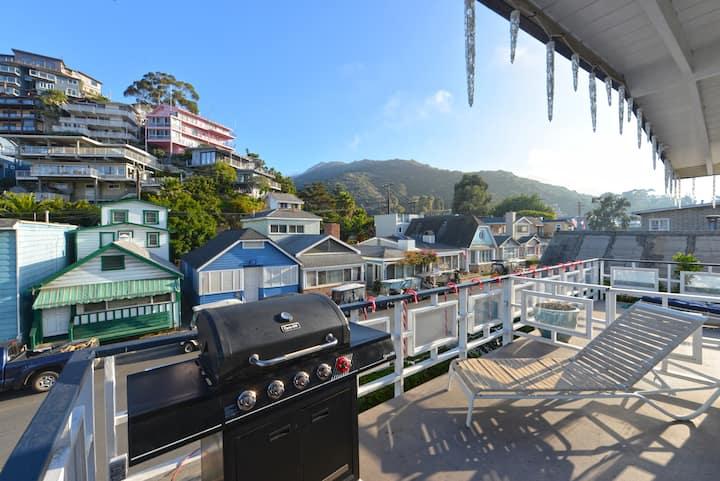 211CL-Upper-Home close to beach+Deck+Golf Cart+Pet Friendly