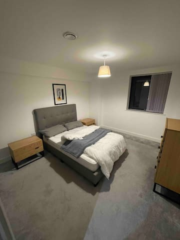 This photo displays the bedroom.