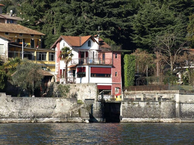 Beautiful house with Private Access to the Lake. - Limonta