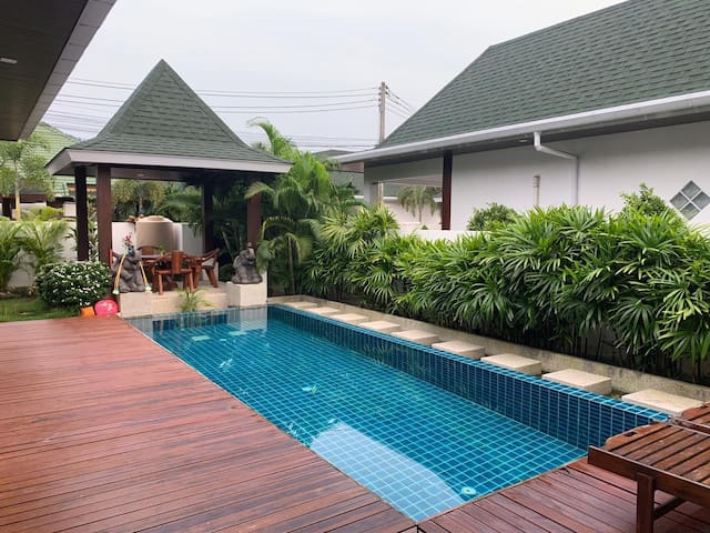 2 bedrooms Pool Villa for 6 people