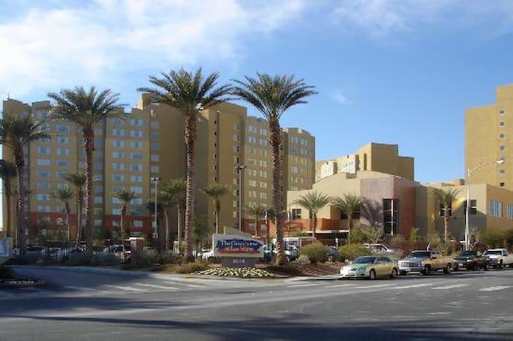 One Bedroom King suite lowest weekly rate in Vegas