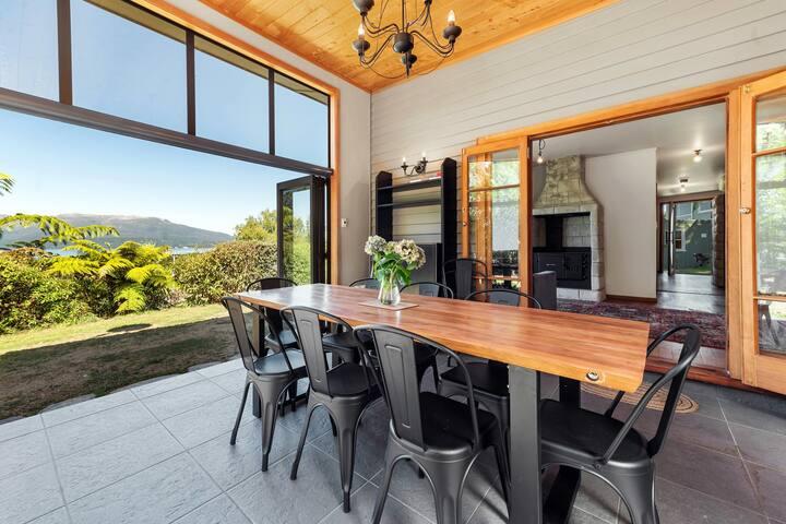 Boatshed Bay Retreat · Stylish luxury bach - views of the lake & mountain