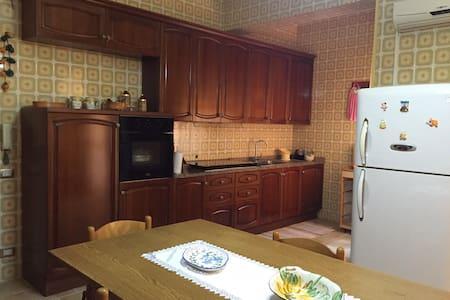 Ampio appartamento Floridia (SR) - Floridia - 公寓