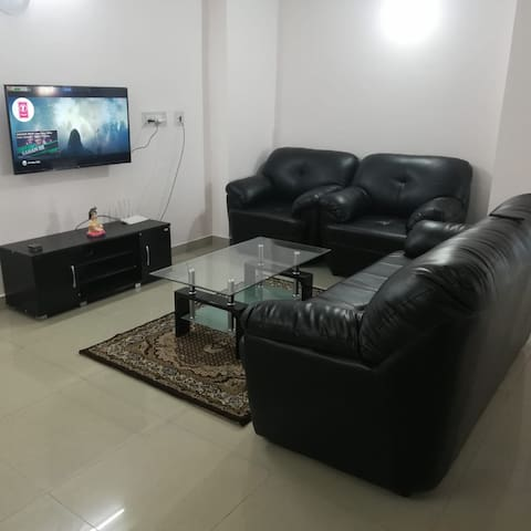 Home Stay 1 ~ 4 Km Airport ~ 2 Km City Center