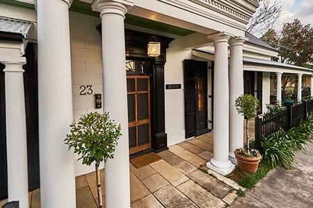 1800's Mansion Villa Ideal Wedding Accommodation