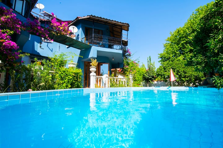 Calm house with swimming pool in Dalyan