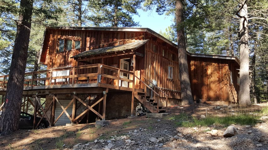 Relax on the deck, escape city life - Cloudcroft - Cabin