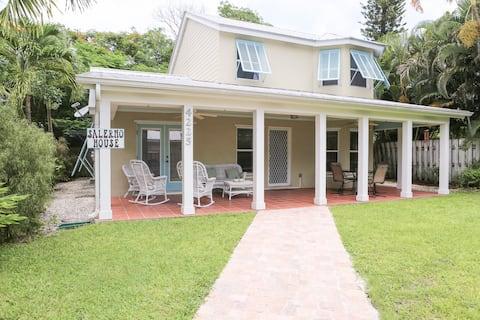 Salerno House - Come have some fun!