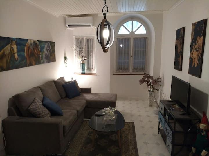 Avgi's Apartment Campielo