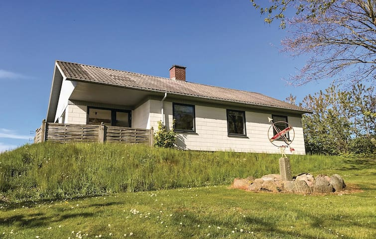 Holiday cottage with 2 bedrooms on 82m² in Hasle
