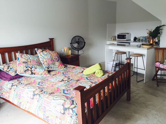 Self Contained Bed & Breakfast in Kiama NSW - Kiama Heights - Bed & Breakfast