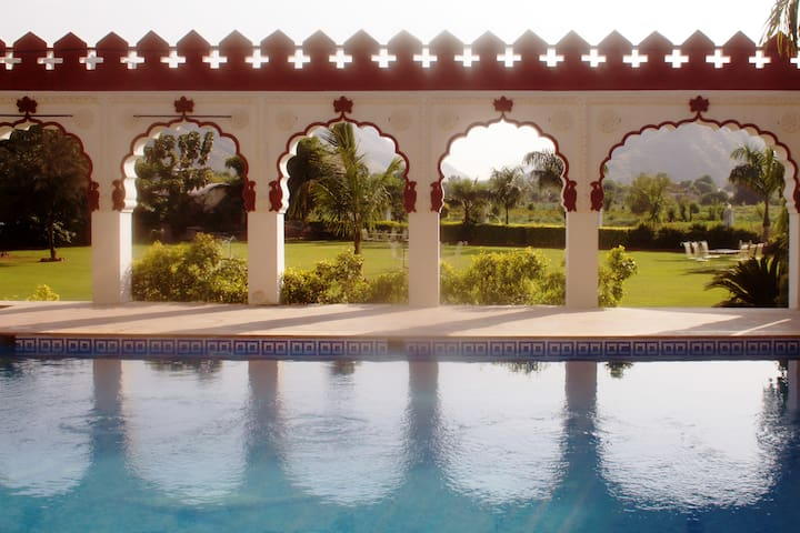Deluxe Cottage at Resort in Pushkar 3