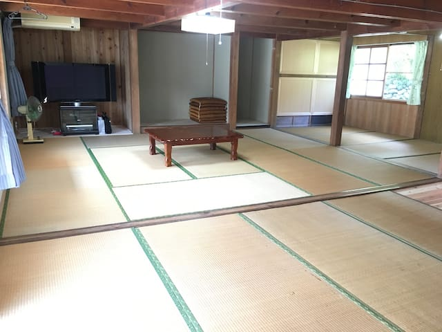 10畳+4畳+5畳の広いゲストルーム