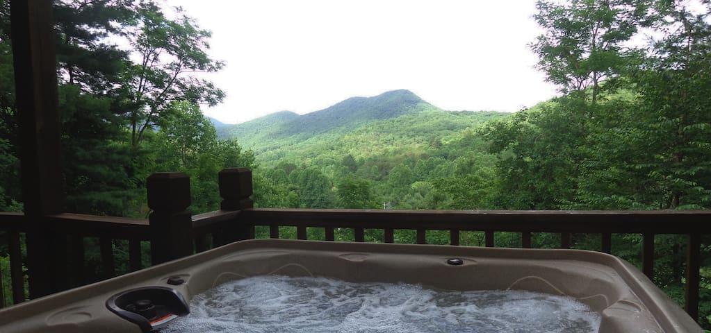 Gorgeous Mountain Views-Hot Tub-Weekday Specials