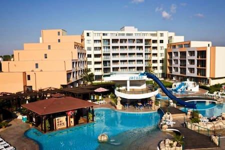 Trakia Apartment with pool view - Sunny Beach - Lakás