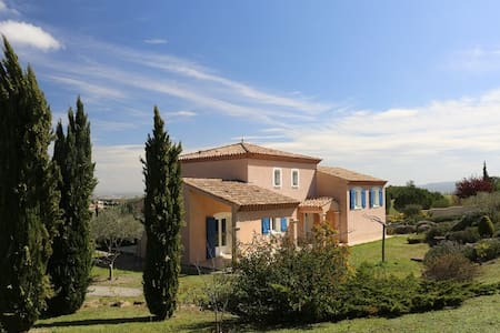 Villa Mirabelle B&B -Room 2 Carcassonne - Bed & Breakfast