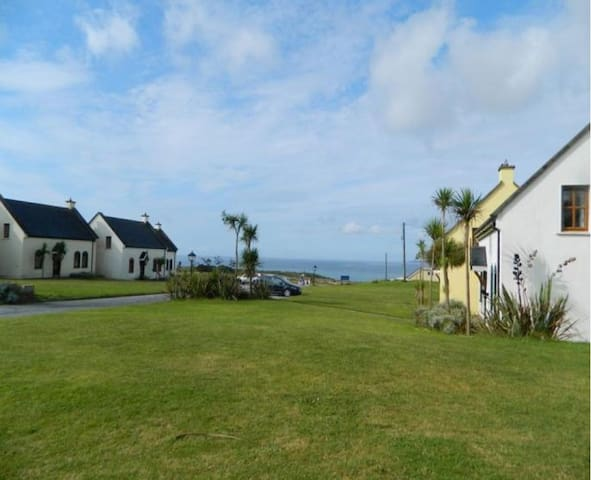 Kinsale Coastal Cottages, Garrettstown Beach,  Kinsale, Co. Cork, Sleeps 8 - Kinsale