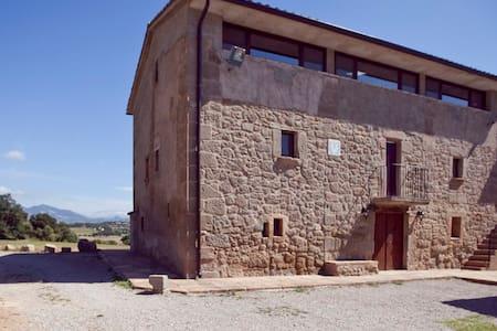 Casa de turismo rural para grupos. - Avià - House