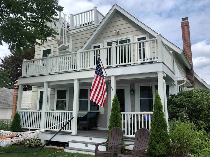 Family Waterfront Getaway on Crescent Beach