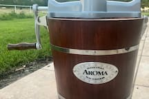 Old Fashioned ice cream maker~!  You can use the motor or if your are nostalgic you can make it with the crank!